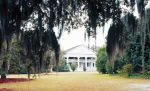 This mansion was built around 1835 at Greenwood Plantation, a cotton plantation that was  acquired in 1899 as a hunting estate by Col. Oliver Hazard Payne. The family of one of his descendants,   John Hay Whitney, owns the house today. Photo by Richard T. Bryant. Email richard_t_bryant@mindspring.com